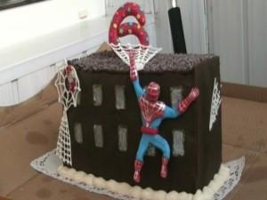 Человек-паук из мастики