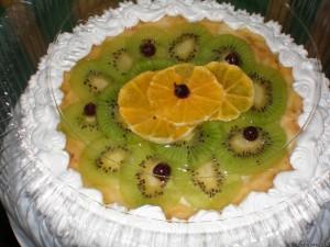 Медовый торт с фруктами и сметаной-шаг 1