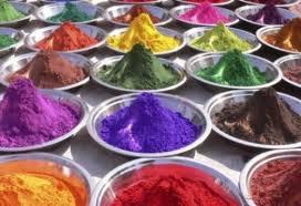Как правильно окрашивать гелиевыми пищевыми красителями мастику-шаг 1