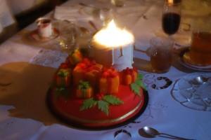 Новогодний торт Подарки – украшаем десерт оригинально!-шаг 2