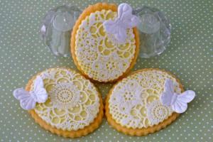 Как украсить мастикой и королевской глазурью (шутарвейл) десерты – мастер-класс
