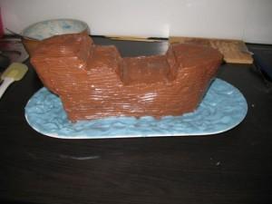 Торт из мастики для детей – Пиратский корабль-шаг 5