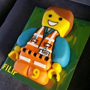 Детский торт – торт 3D Лего-строитель. Торт из мастики – мастер-класс