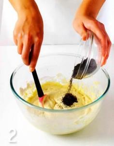 Капкейки с масляным кремом и маком, украшенные мастикой. Мастер-класс-шаг 2