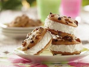 Пирожные с мороженым – два десерта в одном!