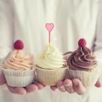 Белковый крем для украшения выпечки – с пищевыми красителями