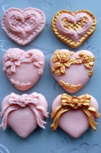 Украшения мастикой пирожных – мастер-класс - как просто и быстро можно эффектно и изысканно украсить мастикой торты и пирожные, подробное описание с фото-шаг 5