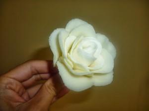 Роза из мастики для свадебного торта. Мастер-класс-шаг 11