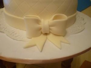 Бант из мастики для свадебного торта. Мастер-класс-шаг 7