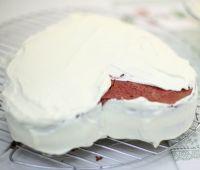 Бисквитный торт Сердце ко дню влюбленных-шаг 4