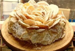 Торт Наполеон в виде цветка – классический торт по-новому