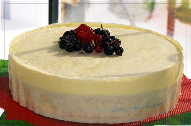 Бисквитный торт с черной смородиной рецепт