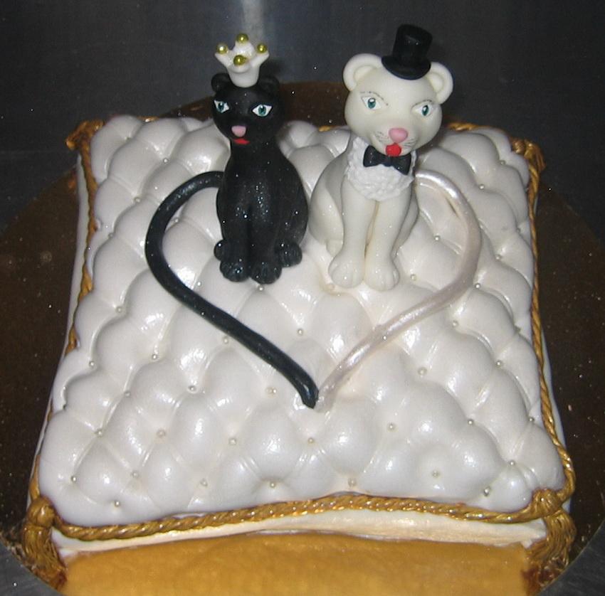Торт на годик двухъярусный фото 5