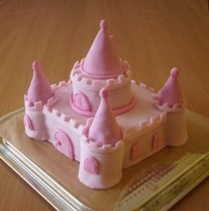 Детский торт Замок для принцессы. Торт из мастики – мастер-класс-шаг 6