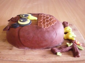 Торт из мастики Сова - 3 D торт (мастер-класс)-шаг 4