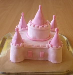 Детский торт Замок для принцессы. Торт из мастики – мастер-класс-шаг 5