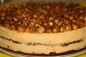 Ореховый торт. Бисквитный торт с фундуком