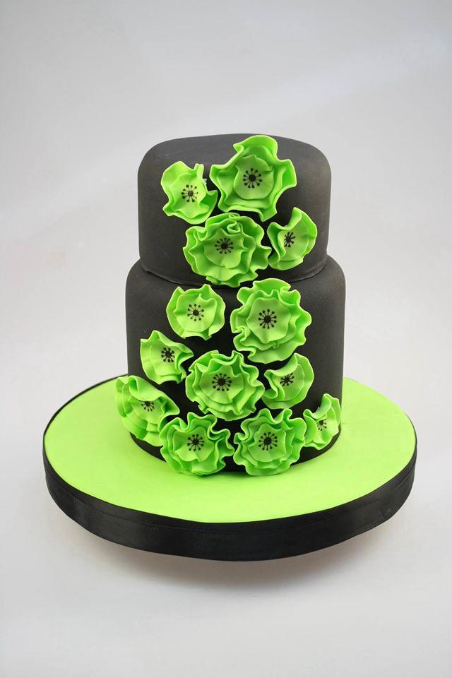 Как украсить торт мастикой: пошаговые инструкции, фото, видео и 56