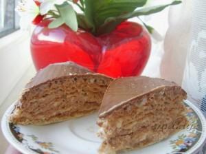 Пражский вафельный торт с орехами