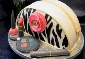Торт с косметикой – видео-рецепт. Оригинальный торт из мастики