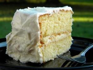 Сметанный торт с глазурью из белого шоколада