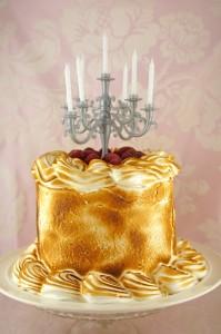 Как украсить торт необычно и ярко? Просто сделать золотой торт!