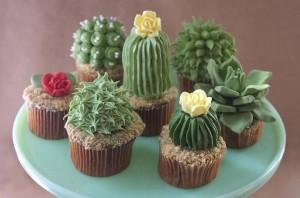 Как украсить пирожные или капкейки. Сделайте с кремом или из мастики симпатичные кактусы!