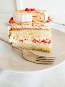 Клубничный торт – наслаждение вкусом!-шаг 1