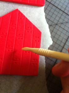 Домик из мастики для домашнего животного – мастер-класс-шаг 4