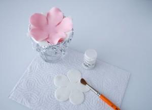 Цветок из мастики. Мастер-класс-шаг 3