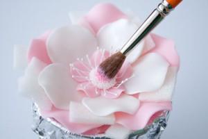 Цветок из мастики. Мастер-класс-шаг 9