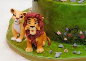 Животные из мастики – лев. Видео-рецепт-шаг 2