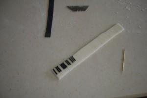 Торт из мастики Рояль с пианистом. Мастер-класс-шаг 17
