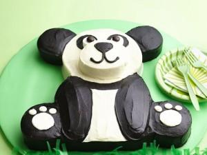 Торт Панда - видео-рецепт. Как украсить торт кремом-шаг 1