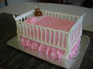 3D торт. Торт из мастики Детская кроватка-шаг 24