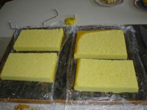 3D торт. Торт из мастики Детская кроватка-шаг 2