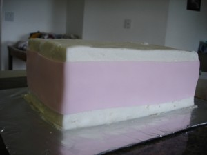 3D торт. Торт из мастики Детская кроватка-шаг 13