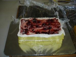 3D торт. Торт из мастики Детская кроватка-шаг 4