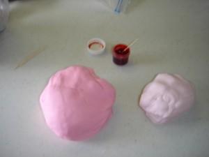 3D торт. Торт из мастики Детская кроватка-шаг 11