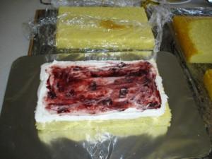 3D торт. Торт из мастики Детская кроватка-шаг 3