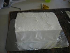 3D торт. Торт из мастики Детская кроватка-шаг 8