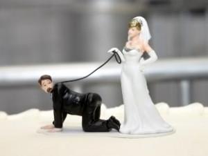 Фигурки на свадебный торт. Забавные фигурки жениха и невесты-шаг 6