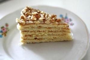 Медовый торт на сковороде с орехами. Торт быстрого приготовления-шаг 1
