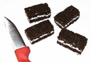 Украшения мастикой – пирожные Конверты: мастер-класс-шаг 1