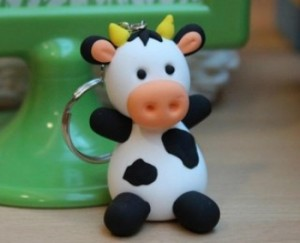 Фигурки из мастики – корова. Видео-урок-шаг 4