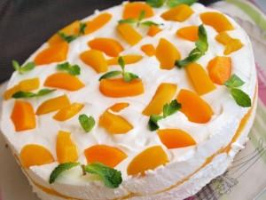 Персиковый крем со сливками и йогуртом