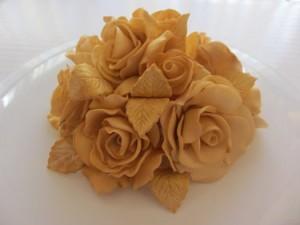 Как сделать розы из мастики – простое изготовление. Видео-шаг 1