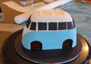 3D торт Автобус. Как украсить детский торт – мастер-класс-шаг 4