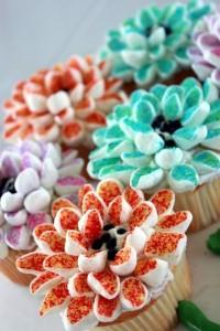 Как украсить капкейки. Украшение десертов Хризантема