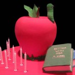Торт из мастики для студентов и учеников